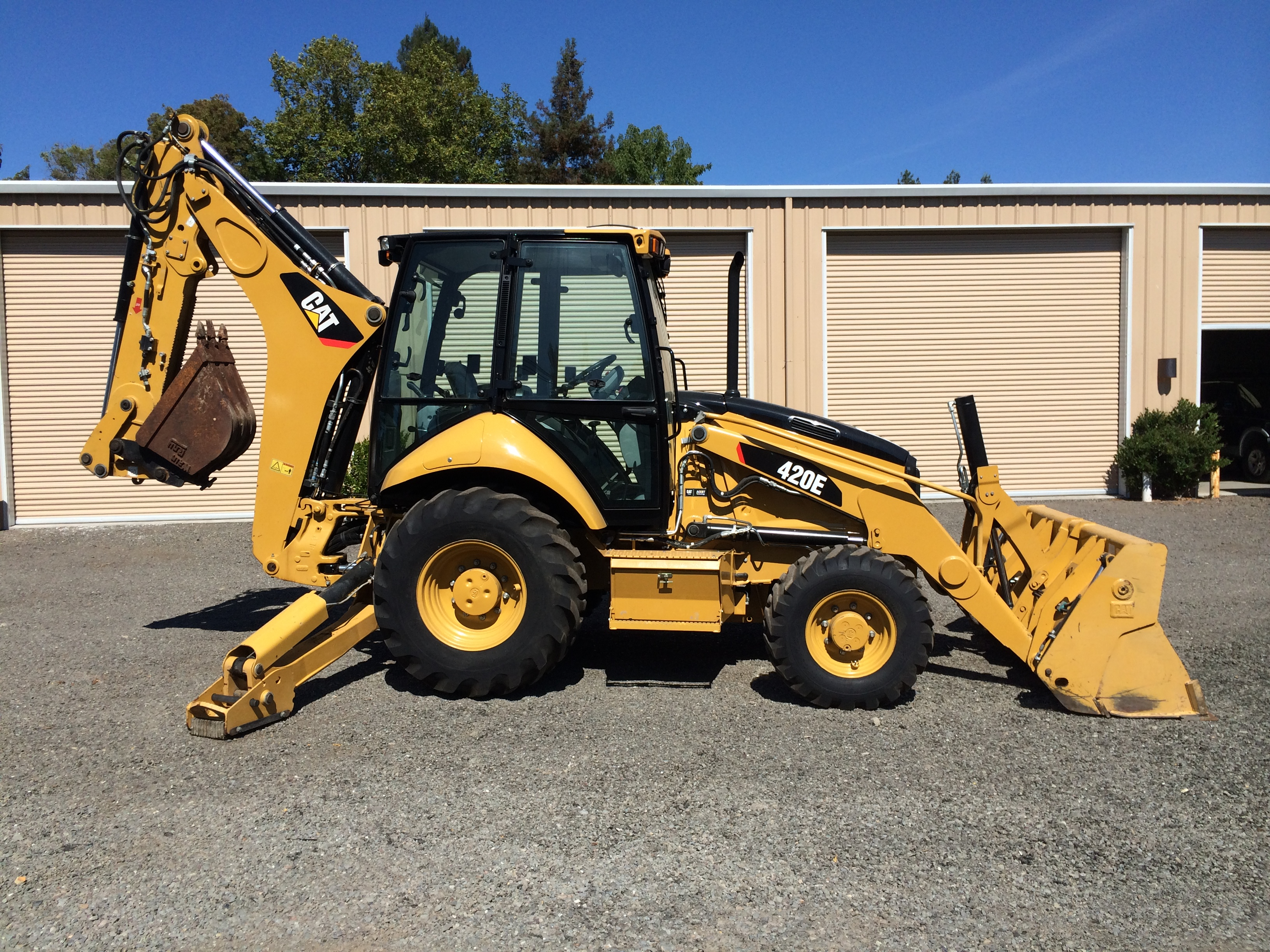 2011 CAT 420E Backhoe