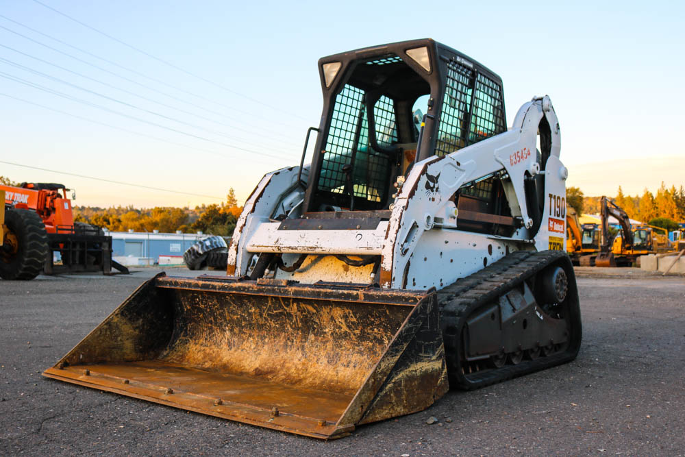 2010_bobcat_t190_skid steer