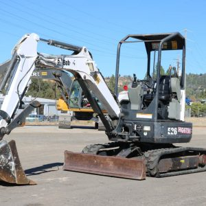 2011_BOBCAT_E26_MINI_EXCAVATOR_FOR_SALE