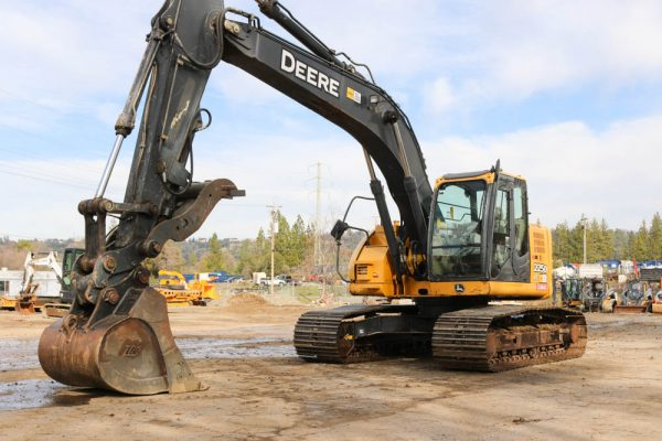 2012_DEERE_225D_EXCAVATOR_FOR_SALE